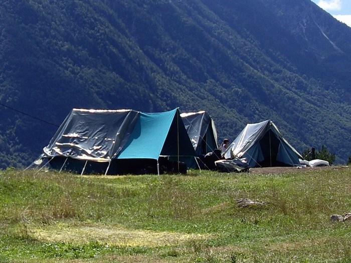 Šotori na planinskem taboru Dovje 2010