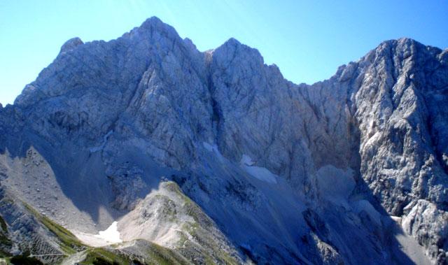 Križ, Kranjska Rinka in Skuta z Ledinskega vrha. Foto: Mitja Košir